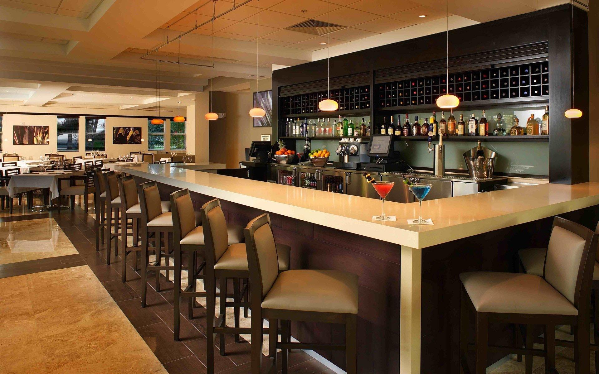 酒吧吧台装修设计酒吧吧台装修的三大类型 办公室装修 臻翰装饰