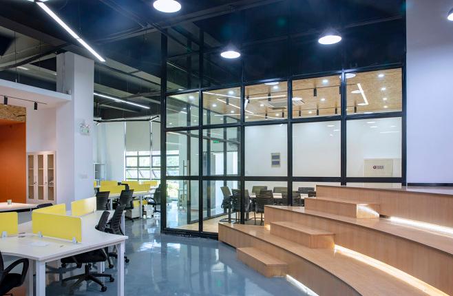 怎样策划深圳龙华区办公室装修设计方案